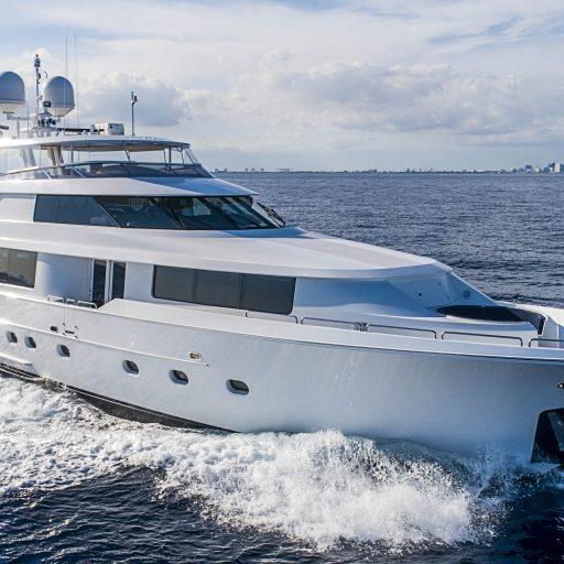 NO NAME 112 yacht Charter Price