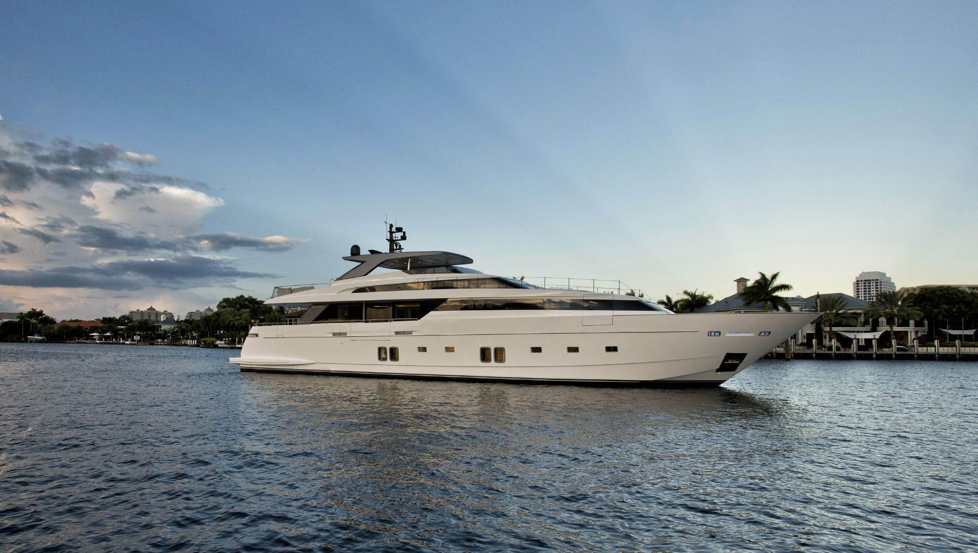 Sanlorenzo SL118 #628 yacht Charter Brochure