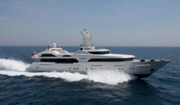 SUSSURRO yacht Charter Price