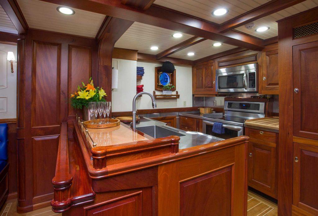 COLUMBIA yacht