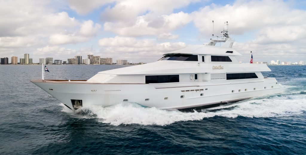 SHOWTIME yacht