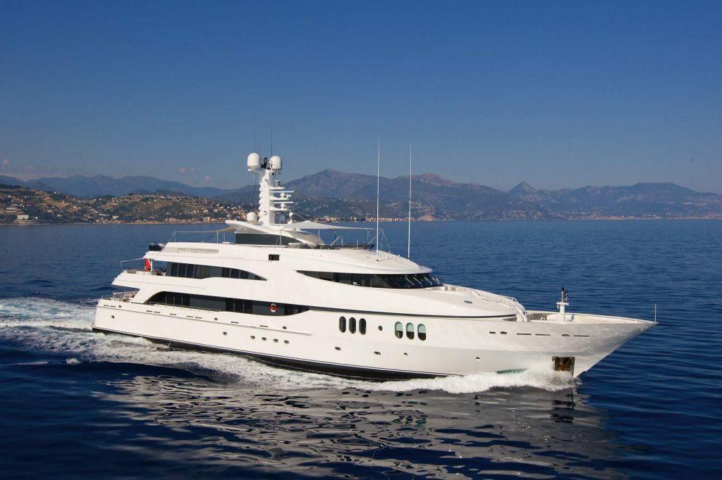 DIAMOND A yacht Brochure