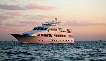 OCEAN DRIVE yacht