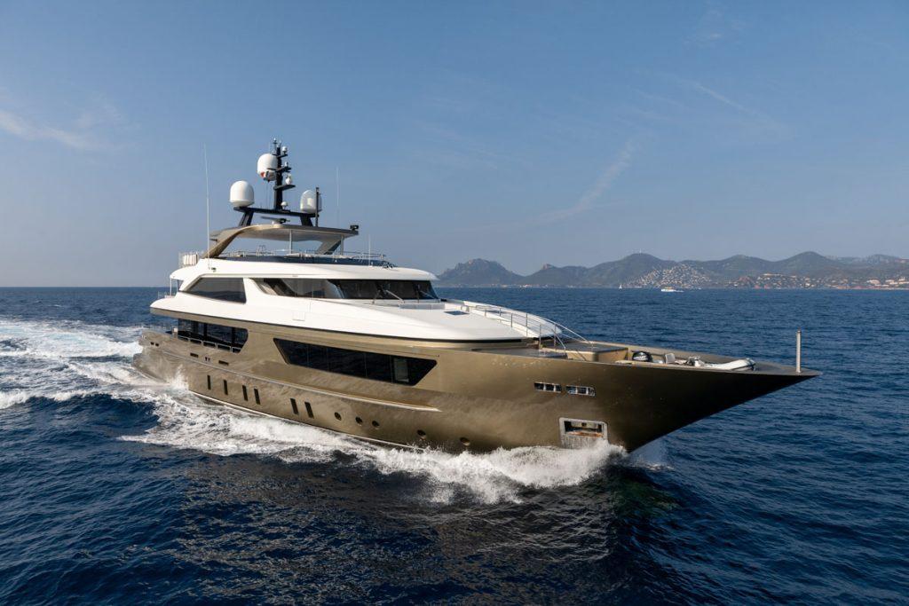 TRIDENT yacht
