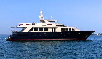 Intermission yacht