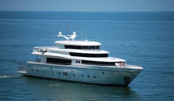 JOHNSON 108 yacht