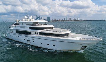 JULIA DOROTHY yacht