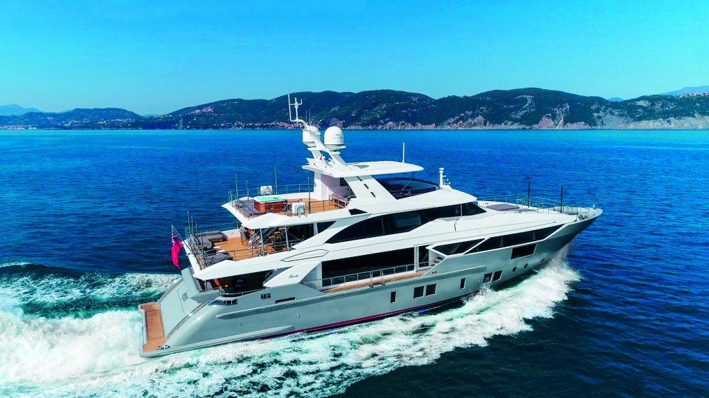 LEJOS 3 yacht Brochure