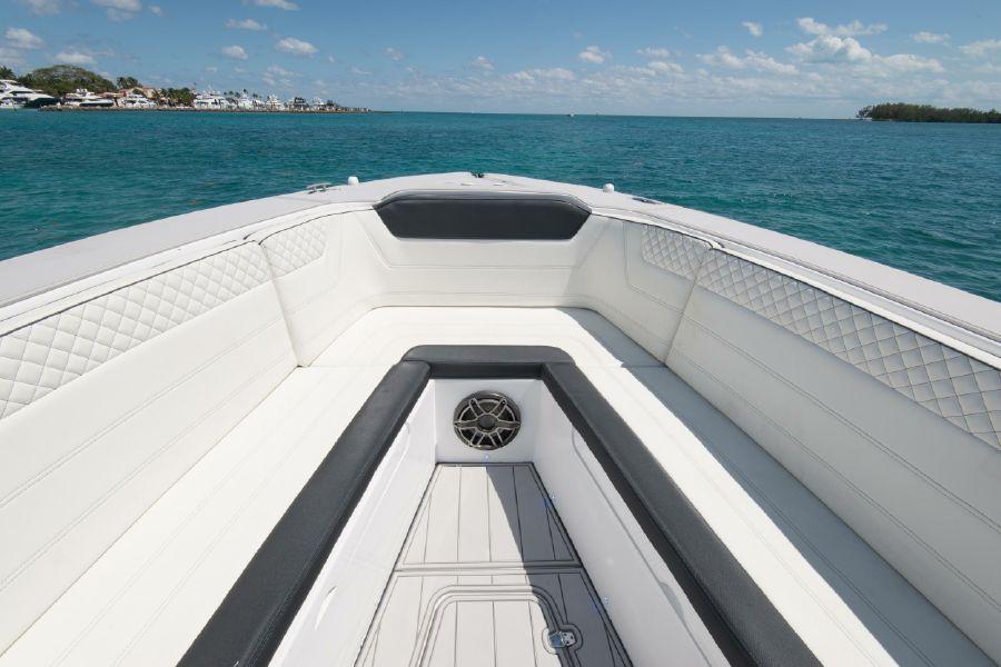 Custom CSR Powerboat V53 yacht