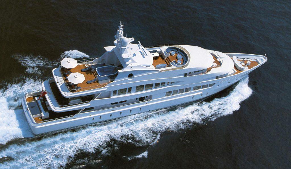 LADY LOLA yacht
