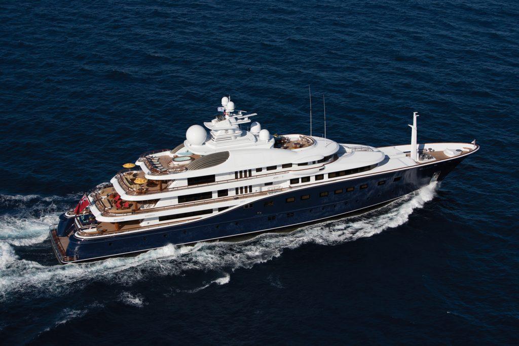 AQUILA yacht Brochure