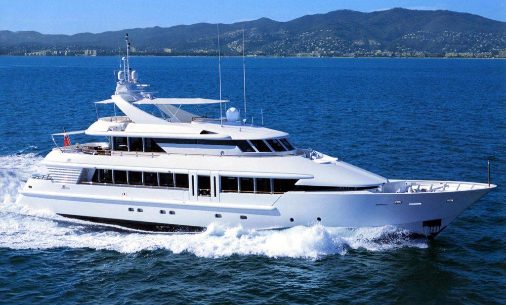 AQUALIBRIUM yacht Brochure