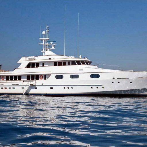 X yacht Video
