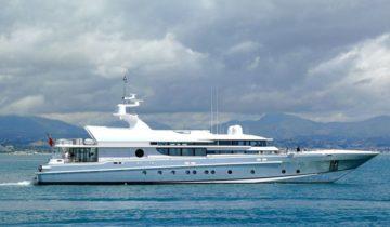 Thunder yacht