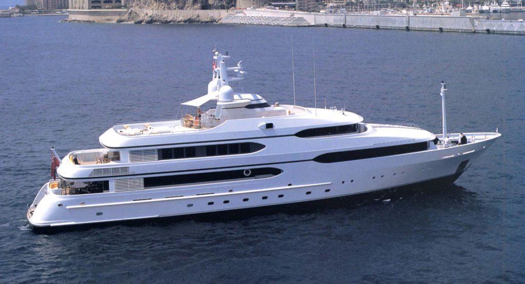 AMANTI yacht Brochure