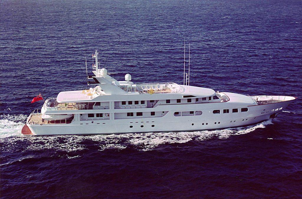 MAGNA GRECIA yacht Brochure