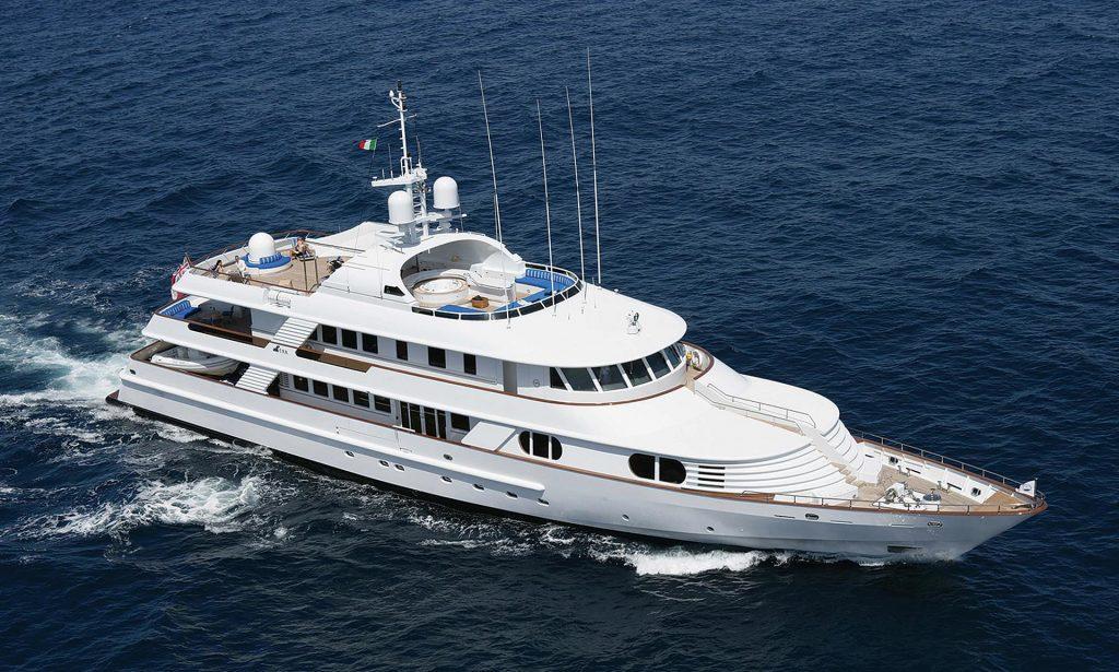 KANALOA yacht Brochure
