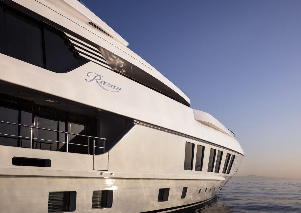 47 m Razan yacht Brochure