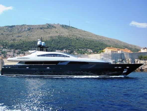 LUCKY ME yacht