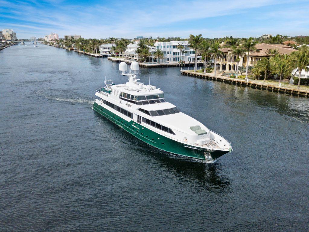 SERQUE yacht Brochure