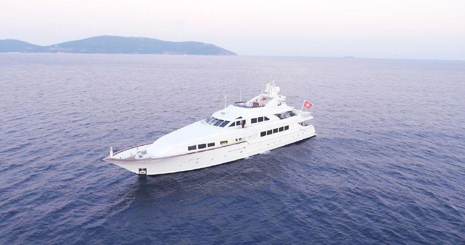 DESTINY yacht Brochure