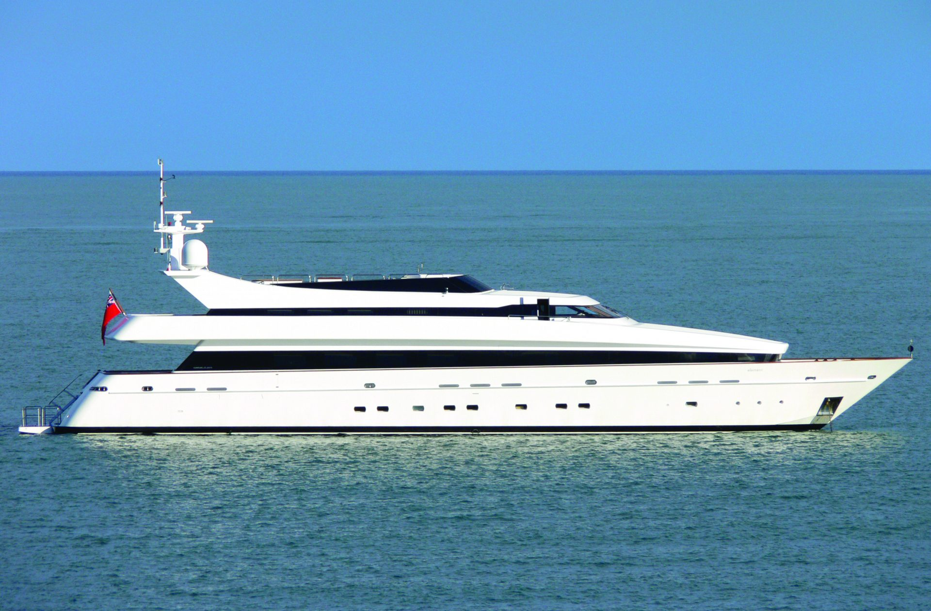 Element yacht price cost similar luxury yachts for Luxury motor boats for sale