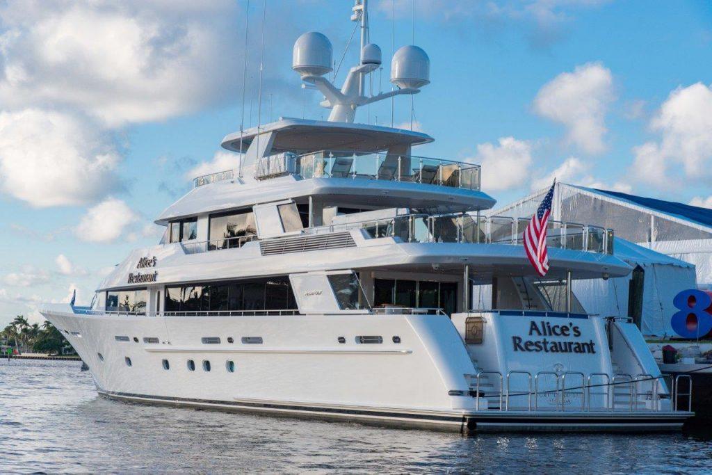 ALICE'S RESTAURANT yacht