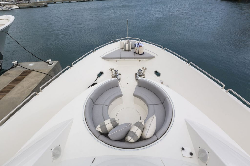 Boxer yacht
