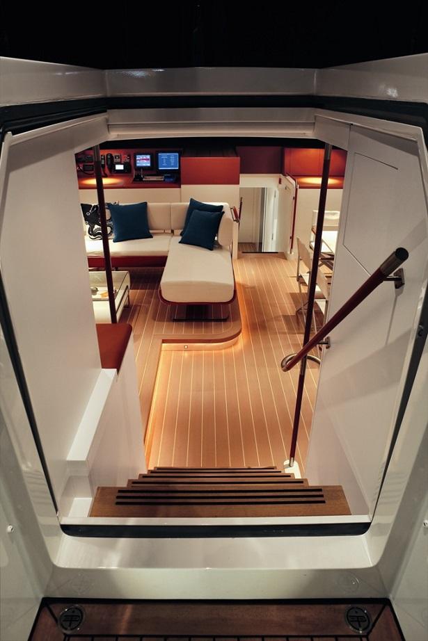 P2 yacht