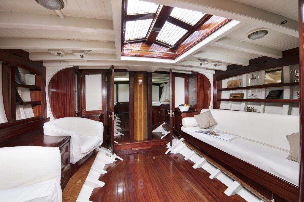 Mariska yacht
