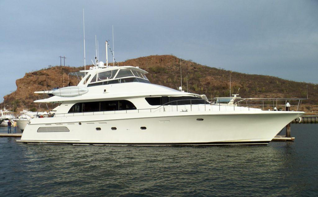 CAYMAN yacht Brochure