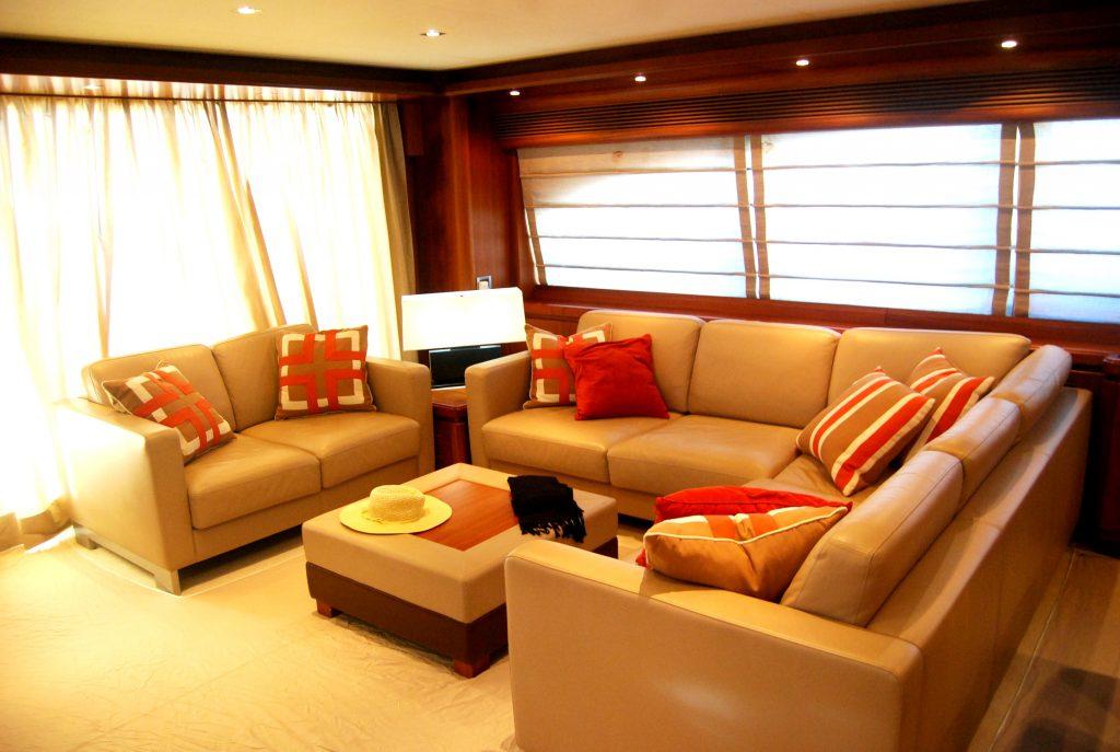 97 Custom Line yacht