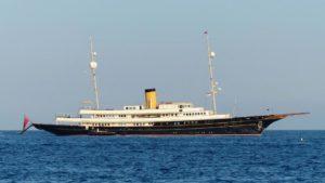 luxury yacht brokerage