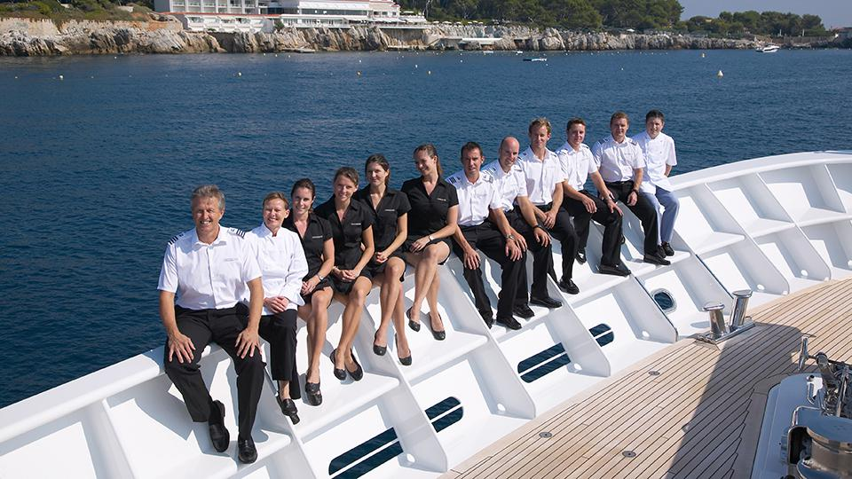 yacht charter fleet private crew