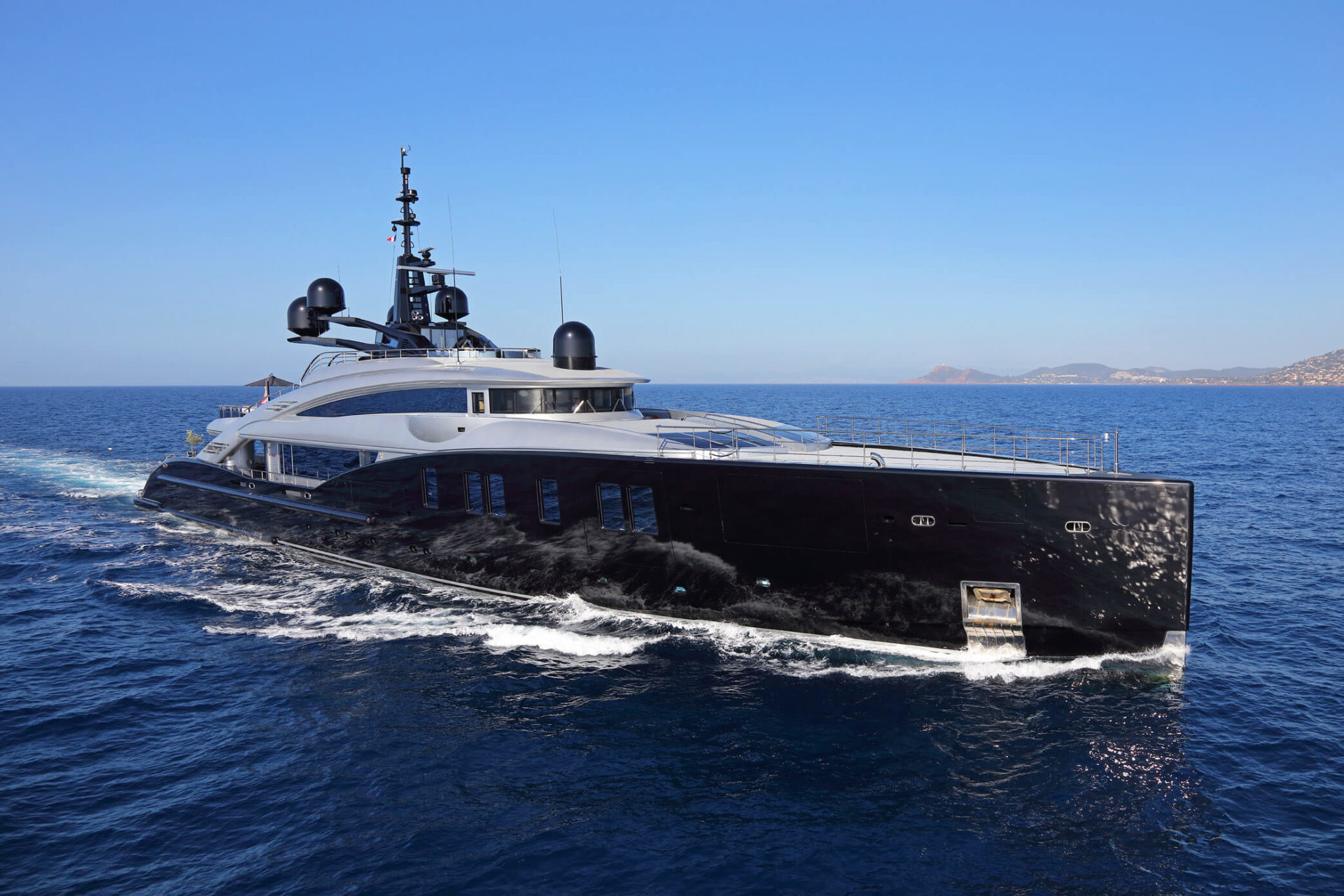 ISA YACHTS FOR SALE   ALL ISA LUXURY MOTOR YACHTS